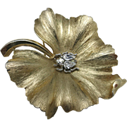 Trifari pin Leaf GOld tone Rhinestone BEE