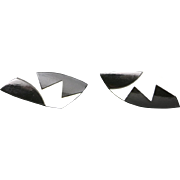 New wave earrings Black and white wood Clip on