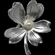 Akoya Pearl Pin Sterling silver FLOWER