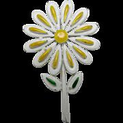 Flower power pin Daisy Yellow white enamel