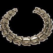 Trifari bracelet Tulip shaped links Yellow gold tone Links