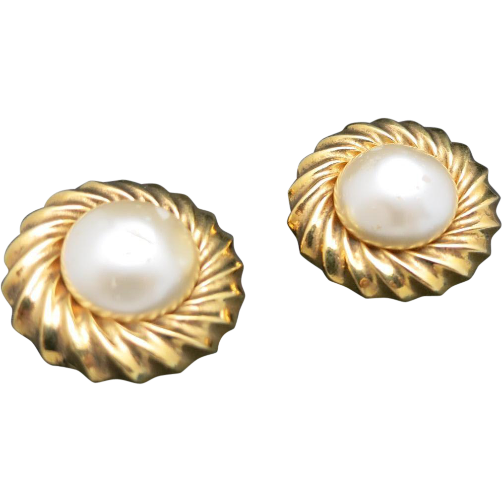 chanel earrings pearls gold tone clip on from