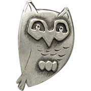 Owl Pin Pewter Charming Vintage Brooch Metzke