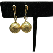 Simple Trifari earrings Gold tone Clip on Dangles