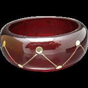 Red resin bracelet Brass metal inlay design Wide