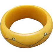 Lovely Lucite or resin bracelet Brass metal accents