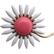 Exquisite Vintage Trifari Rhinestone Flower Power Pin Pink White Gold Tone Crown over T Mark