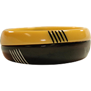 Laminated Carved Resin Washed Cream Corn & Black Bakelite Bangle Bracelet