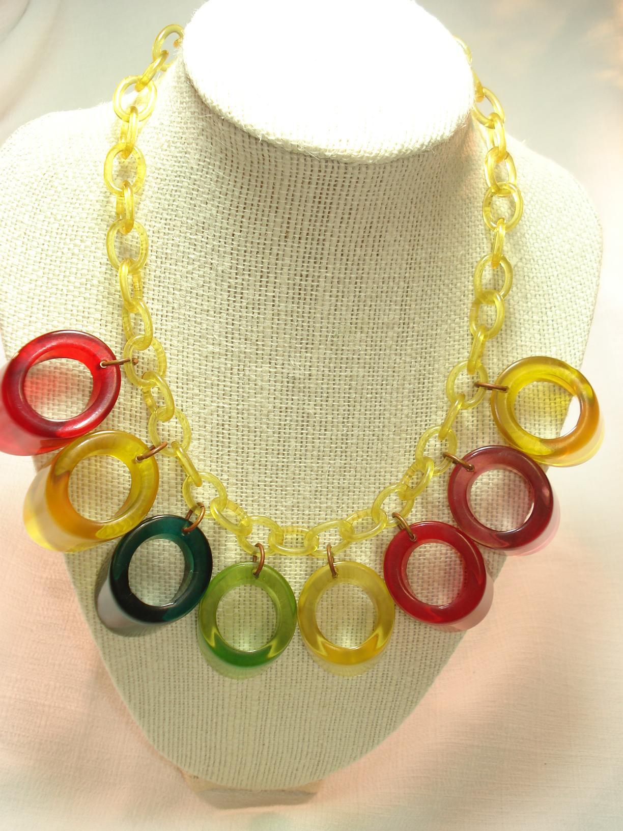 Multi Color 6pcs Honeycomb Handle Design Ombre Makeup: Multi Color Prystal Bakelite Dangle Necklace On Celluloid
