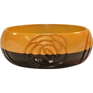 Laminated & Carved Black  Butterscotch Bakelite Bangle Bracelet
