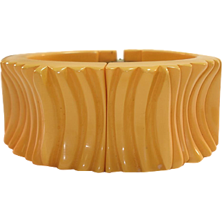 Chunky & Wide Carved Deep Cream Corn Bakelite Clamper Bracelet