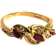 Vintage 14k Gold Ring With Diamonds & Ruby