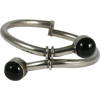 Mexican Sterling Onyx Bypass Hinged Bracelet Bangle