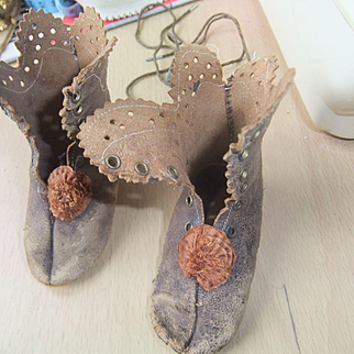 Antique brown laether shoes