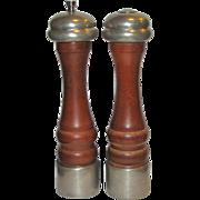 """Vintage """"Olde Thompson"""" Salt Shaker & Pepper Grinder Set (Walnut & Pewter) 10"""", Made in USA"""