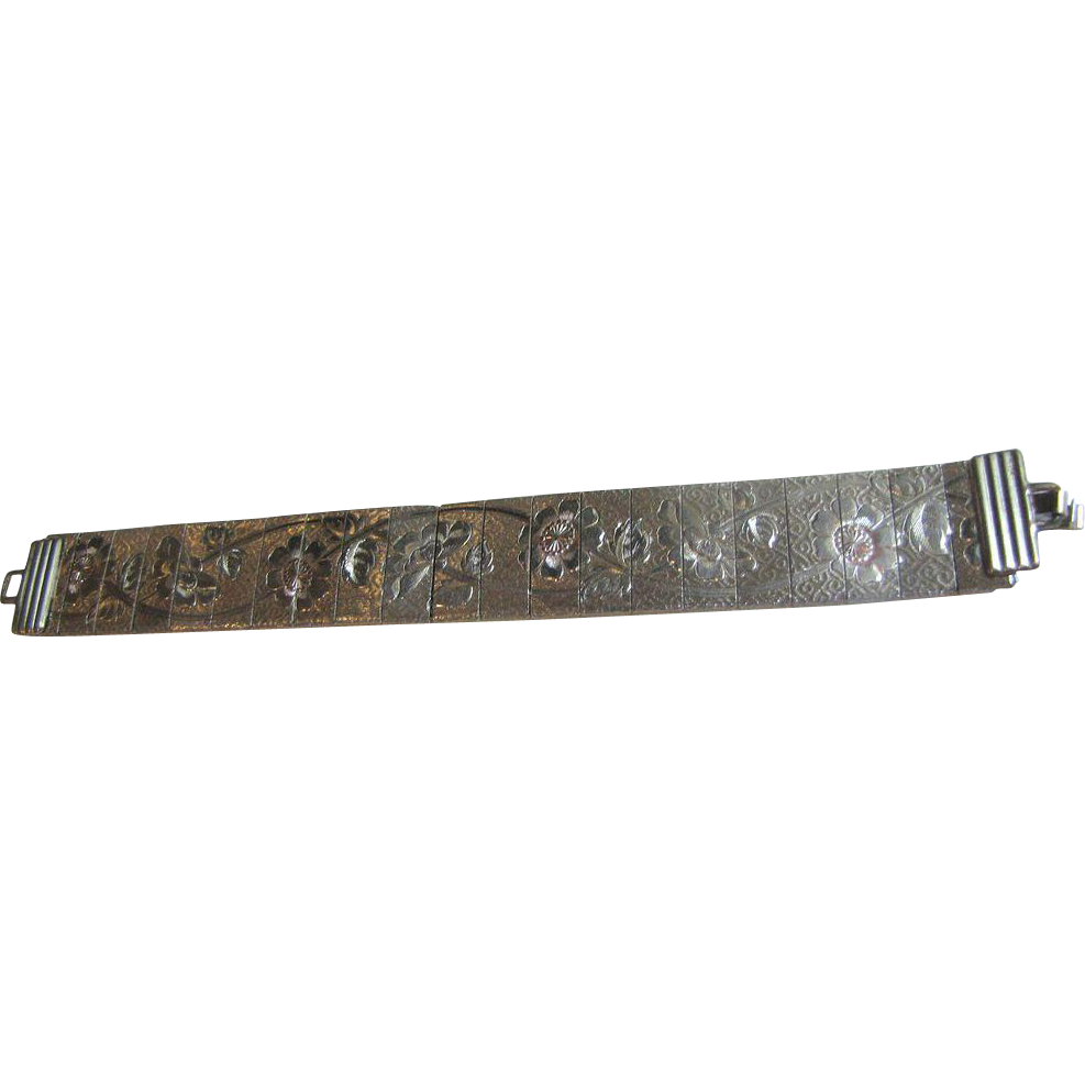Pretty Circa 1960's Brushed Silvertone Etched Floral Articulated Bracelet