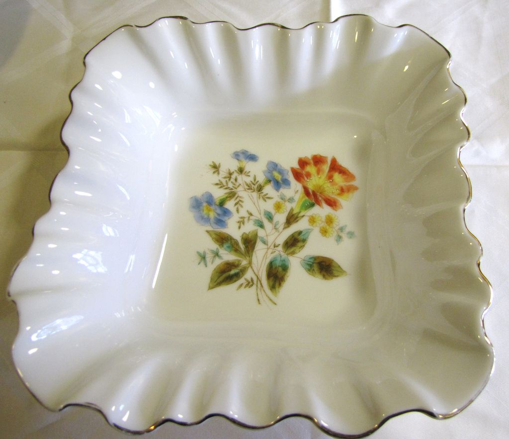 Beautiful Fluted Edge Hand Painted Victorian Large Porcelain Bowl