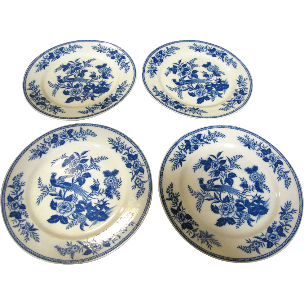 "Four Wales China of Japan, Suzanne 9"" Plates, Lovely Bird Pattern"