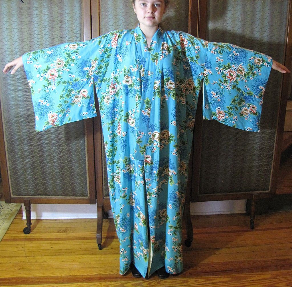 Beautiful Turquoise Vintage Japanese Style Kimono - Larger Size!