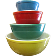 Set of Vintage Pyrex Primary Color Mixing Bowls‏