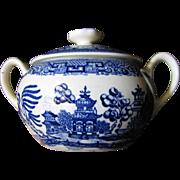 Beautiful Vintage Blue Willow Lidded Sugar Bowl, Mint!