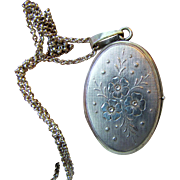 W. German 925 Double Photo Locket, Floral Engraving, Fine Chain, 18 grams