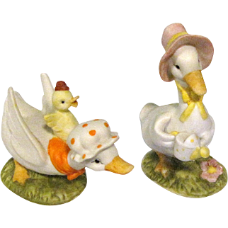 Fun Pair of Lefton Geese Figurines #02348