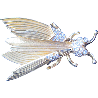 Winged Trembler Bug Pin