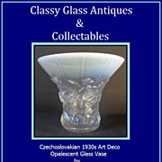 Signed Opalescent Glass Vase by Barolac Czechoslovakia Art Deco circa 1930s