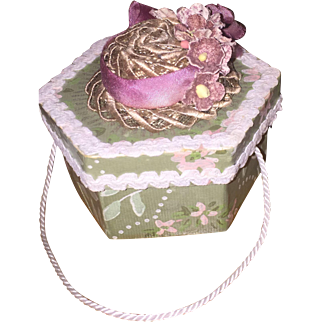 Darling Mignonette Original Hat and Hat Box