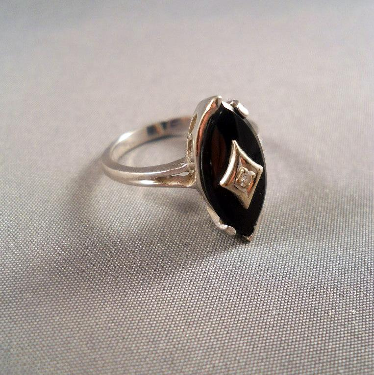 Vintage White Gold Ring yx Diamond Ebson Size 6 from