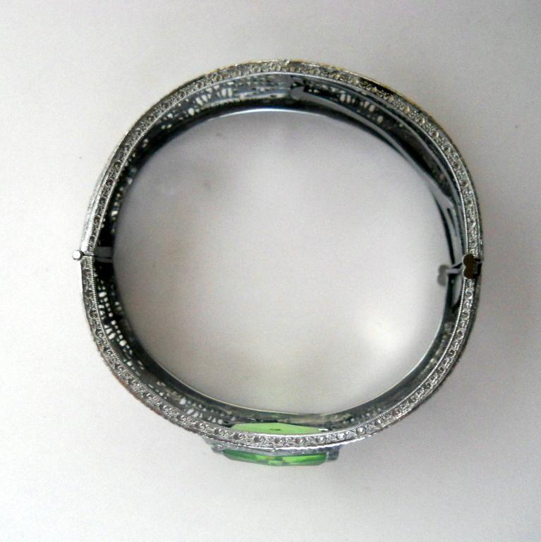 art deco pierced filigree bracelet simulated peridot green
