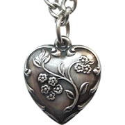 Sterling Silver Puffy Heart Charm - Spray of Forget-Me-Not Flowers - Engraved 'Leslie'