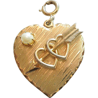 Heart and Faux Pearl Double-sided Chunky Gold Tone Charm