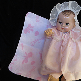 """Vintage"""" RARE"""" Effanbee Dy-Dee Doll Baby Blanket with Signature Dy-Dee Heart & Bottle"""