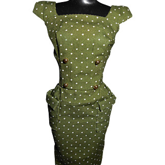 """Barbie's """"Sheath With Gold Buttons"""" 1962-1963"""