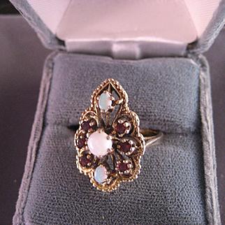 Vintage Opal Garnet 14 K Yellow Gold Ring