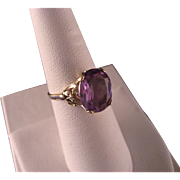 Vintage 10 K Yellow Gold and Amethyst Ring
