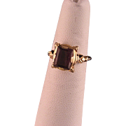 Vintage 1940's Amethyst and Gold Ring