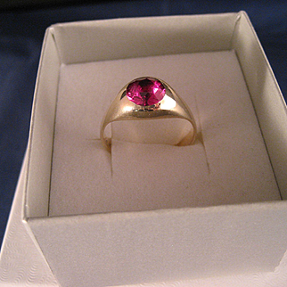 Vintage 1940's Synthetic Ruby 10 K Yellow Gold Ring