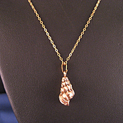 Vintage Conch Shell Neclace