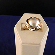 Vintage 14 K Yellow Gold Mabe Pearl Ring