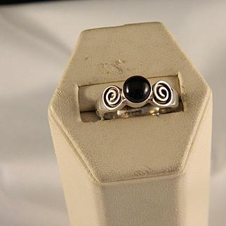 Vintage Sterling Silver Spiral Black Onyx Ring