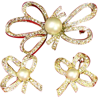 Tara Bow Brooch with Matching Earrings