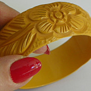 SALE: Bakelite Carved Bracelet - 3 Flowers & 3 Leaves - Yellow