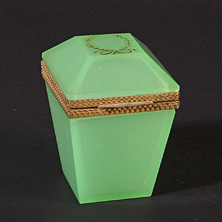 French opaline glass box square Vintage 1920ies. Color: light green & gold.