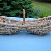 "French ""Buttocks"" Basket"