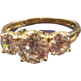 Very Fascinating 10K YG Ring with 3 CZ Stones Sz 8