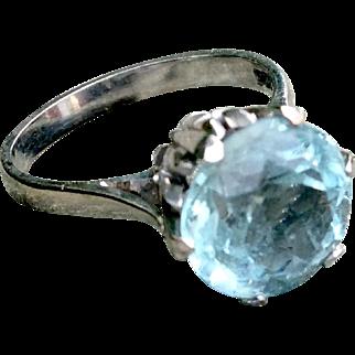 4 CT Aquamarine in 9K White Gold Ring Sz 7