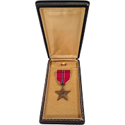 Bronze Star Medal, Ribbon Bar and Lapel pin in Original Presentation Case